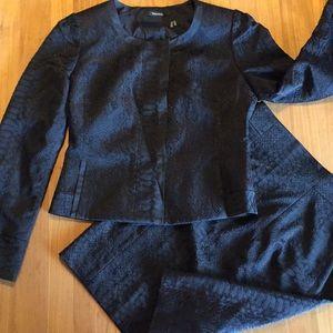 Tahari skirt suit size 8 black snake print